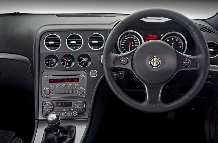 Sa roadtests launch report 2011 alfa romeo 159 for Alfa romeo 159 interieur