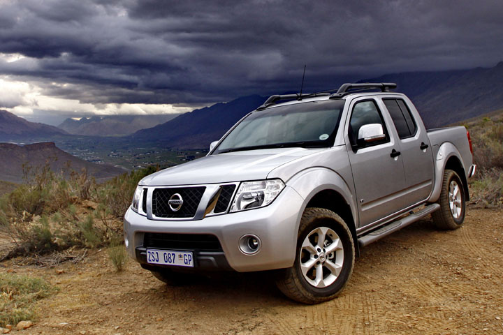 sa roadtests mini test 2011 nissan navara 3 0 le diesel. Black Bedroom Furniture Sets. Home Design Ideas